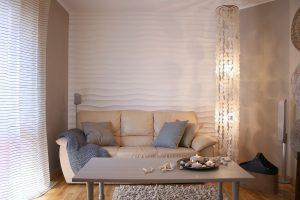 Panel Choppy na ścianie za kanapą