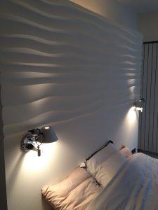 Trendy w dekorowaniu ścian - Panele Choppy w sypialni